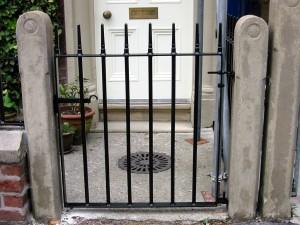 Single-Gate-81022