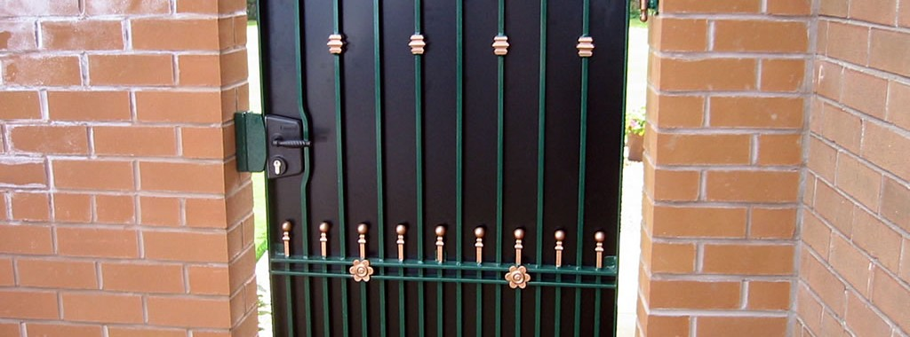 Tall-Ornamental-Gates-main