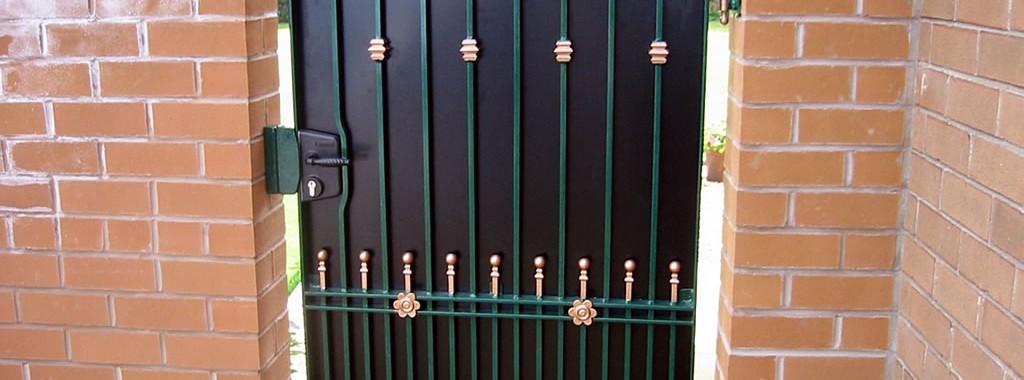 Tall-Ornamental-Gates-main