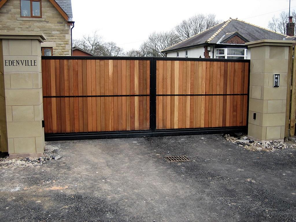 Timber Gates Bespoke Gates Railings Amp Fencing