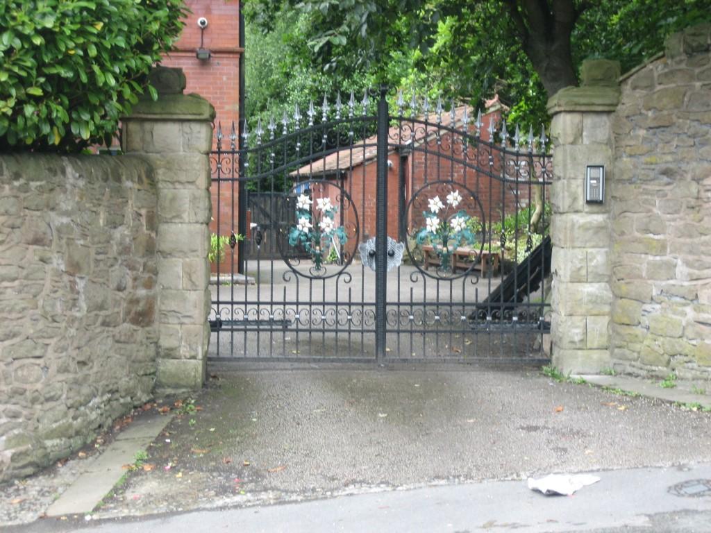Entrance-Gates-IMG-0031