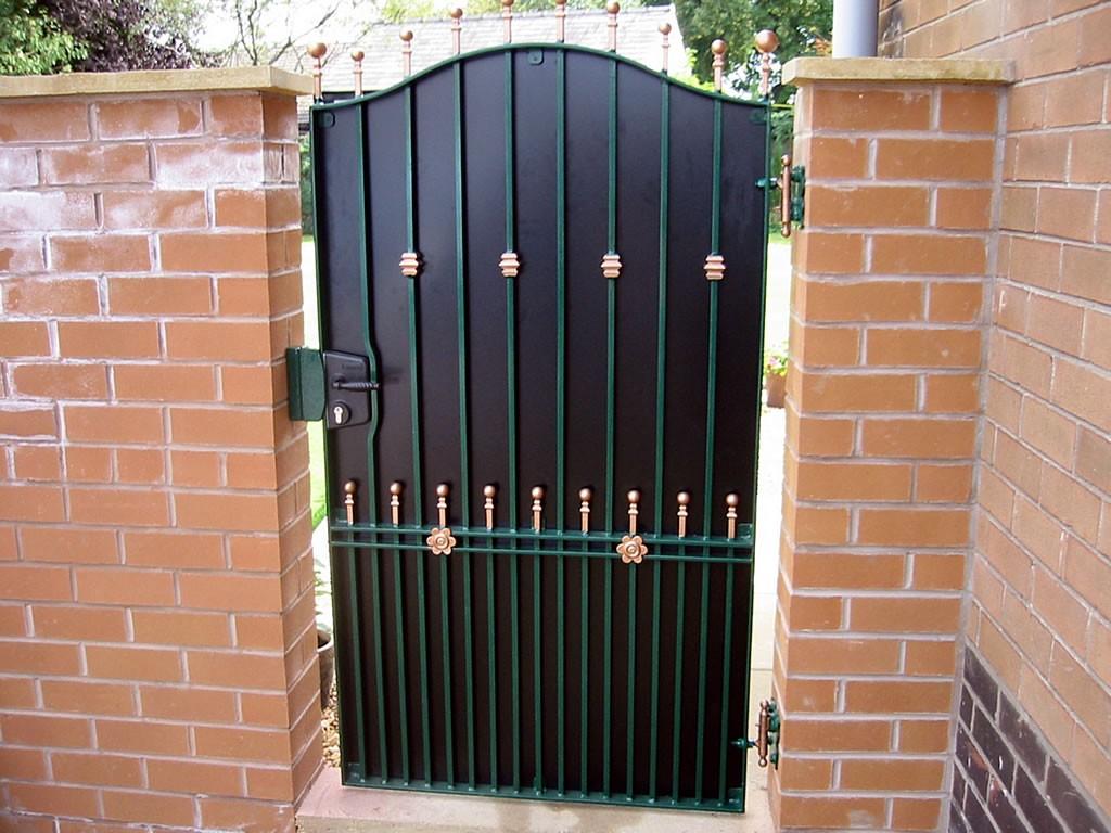 Tall-Ornamental-Gates-100-0063-IMG