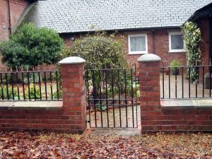 Single-Gate-0381