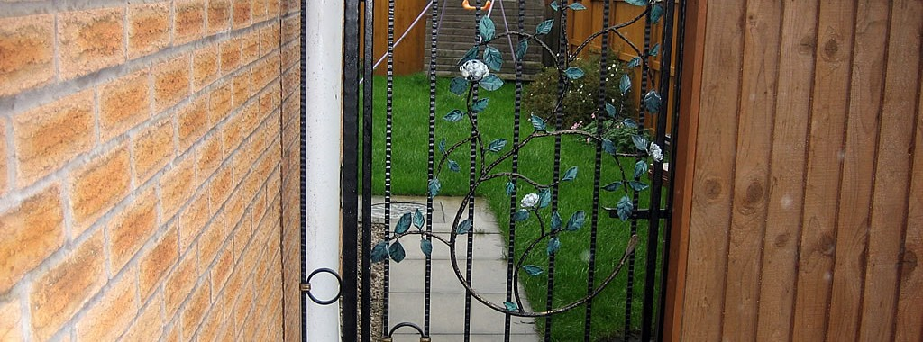 Single Tall Gates