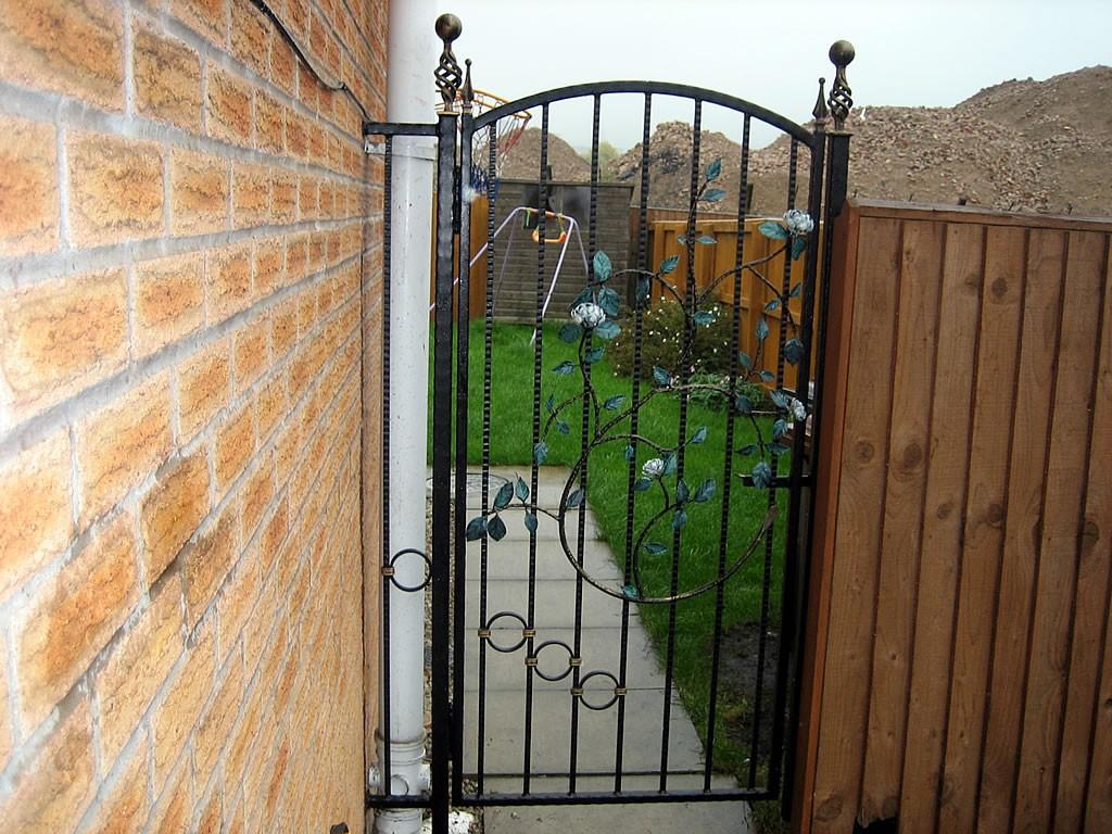 Tall-Ornamental-Gates-IMG-0374